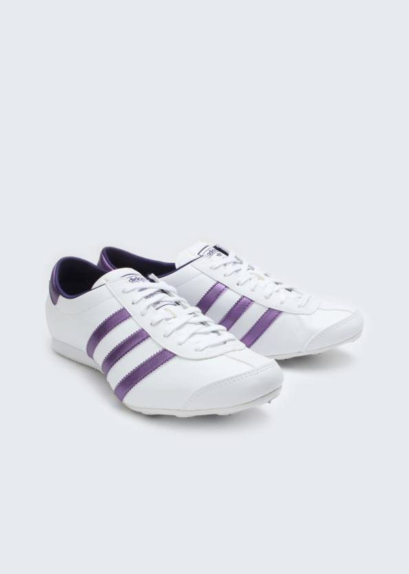 32dec5d81a57b ADIDAS Aditrack W Lifestyle Shoes For Women - Buy White
