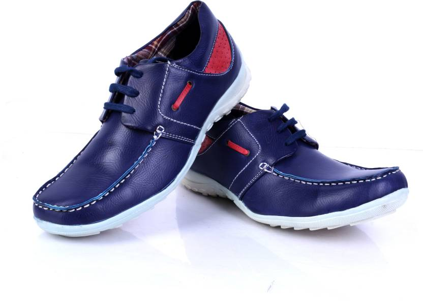 100 Walker Casual Shoes