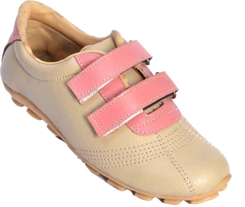 Aadolf Casual Shoes