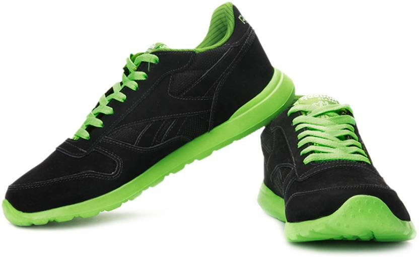 1c7f3f125f8d16 REEBOK Classics Leather Tech Running Shoes For Men - Buy Black ...