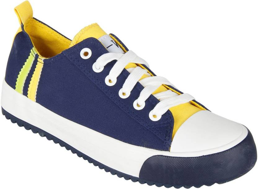 Addison Canvas Shoes