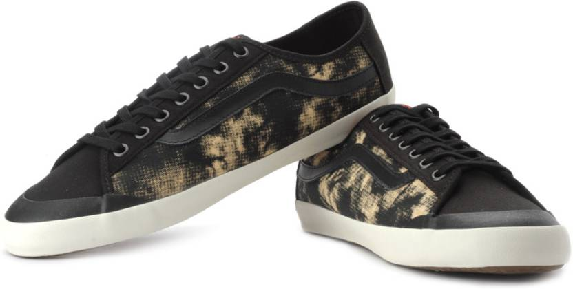 702fca0d920ae9 Vans Happy Daze Canvas Sneakers For Men - Buy Black
