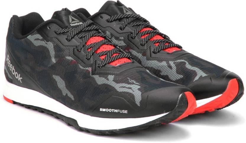 98892ca032d7 REEBOK CROSSTRAIN SPRINT 3.0 Training Shoes For Men - Buy BLACK WHTE ...