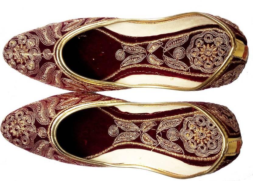 781821cb8518 Craft Banaras DULHAN JUTI Jutis For Women - Buy Maroon Color Craft Banaras  DULHAN JUTI Jutis For Women Online at Best Price - Shop Online for  Footwears in ...