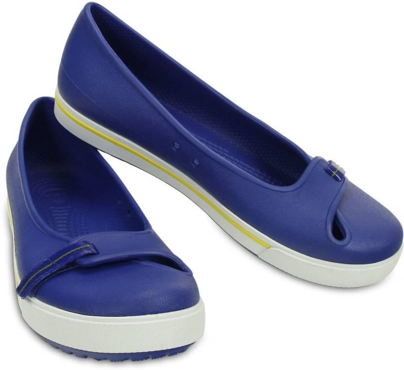 11b49f7a25e867 Crocs CROCBAND 2.5 FLAT Casuals For Women - Buy 12333-4AX Color ...