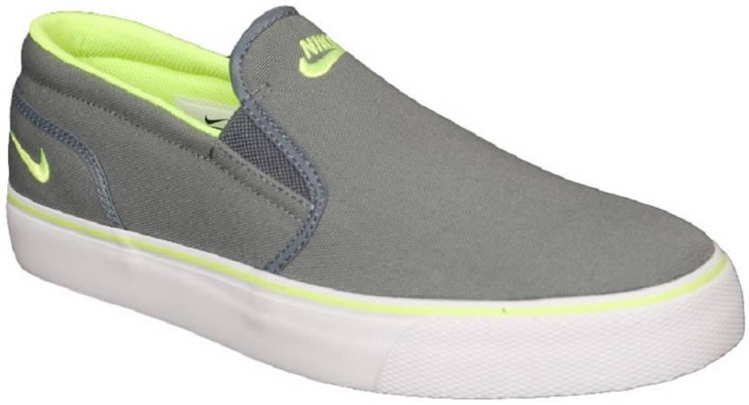 e6292d53bbbc96 Nike nike-724762-071 Canvas Shoes For Men - Buy S Toki Slip Txtcool ...