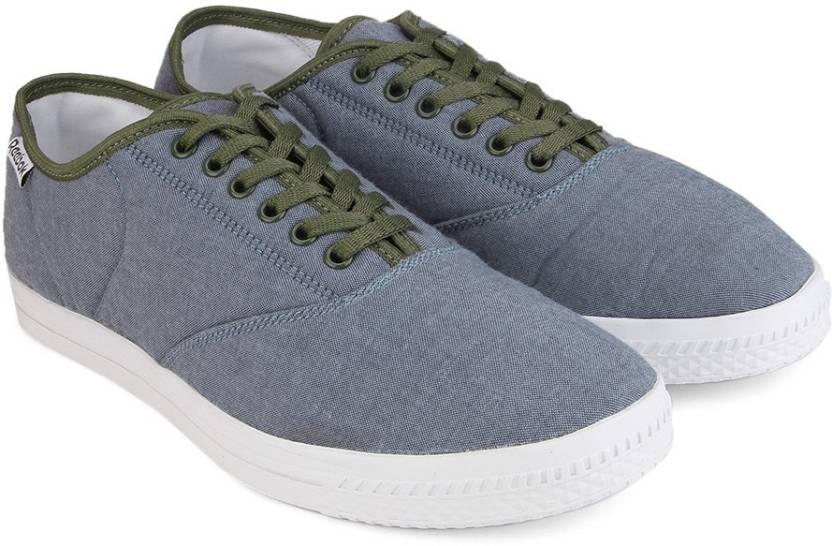 06f66ff0e2d4a REEBOK CLASSIC TENSTALL Men Canvas Sneakers For Men - Buy CHAMBRAY ...