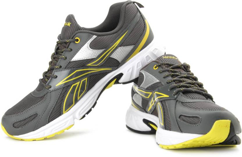 sports shoes 03788 5d417 REEBOK Acciomax IV LP Running Shoes For Men (Grey, Silver)