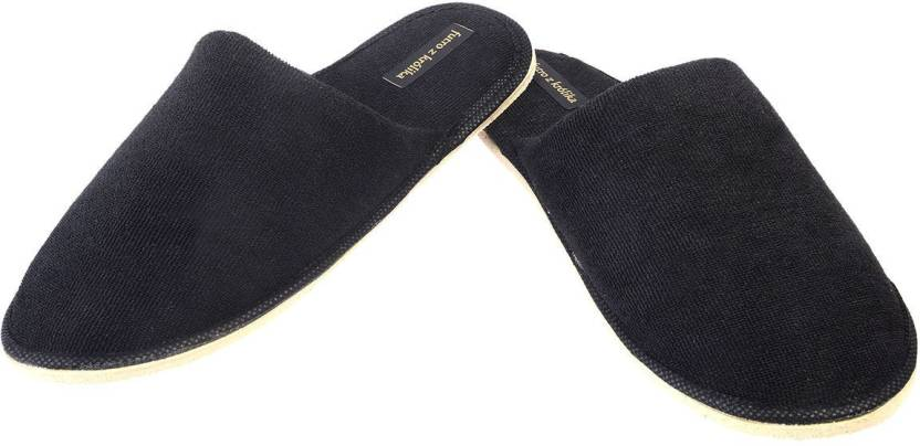 293a6ce233e4 Futro z krolika Slippers - Buy BLACK Color Futro z krolika Slippers Online  at Best Price - Shop Online for Footwears in India