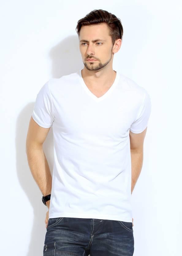 52ea20450402 Bossini Solid Men's V-neck White T-Shirt - Buy WHITE Bossini Solid Men's  V-neck White T-Shirt Online at Best Prices in India   Flipkart.com