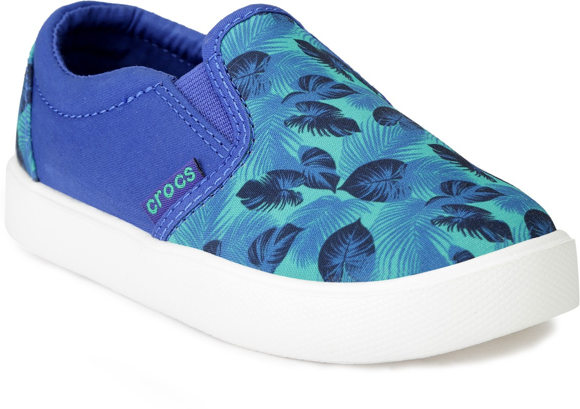 6ccc308504e26 Crocs 204117-3q4 Girls Slip On Sneakers Green - Best Price in India ...